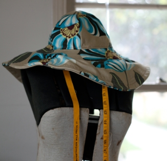 Sew Well - Amy Butler Blue Sky Hat