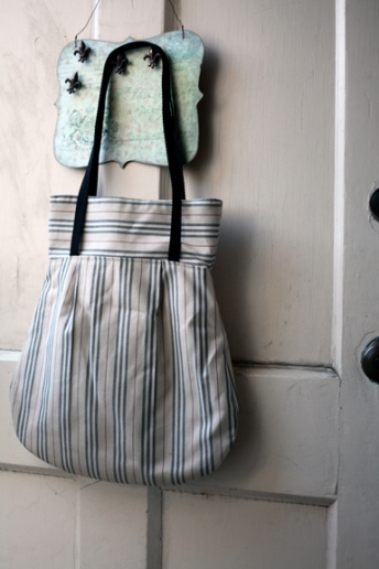 Sew Well - Amy Butler Frenchy Bag