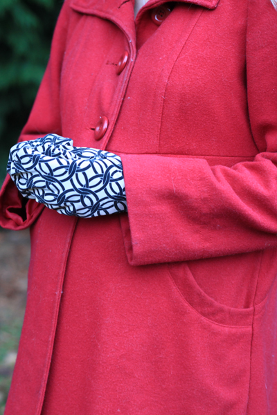 Sew Well - Honeycrisp Mittens