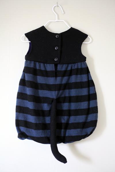 Sew Well - Halloween Black Kitten - Oliver + S Bubble Dress made from #MoodFabrics