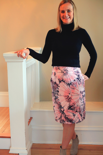 Sew Well - A Graphic Pink Floral Pencil Skirt made with Vogue V1093 and #MoodFabrics