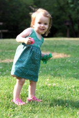 Sew Well - A Little Scalloped Skirt