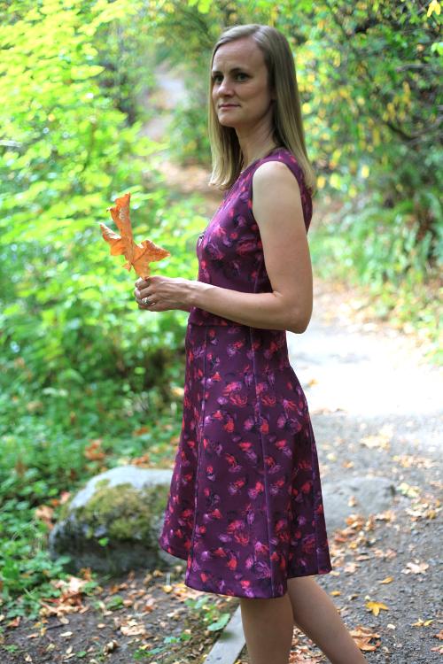 Sew Well - Raspberry Roses in #moodfabrics Neoprene