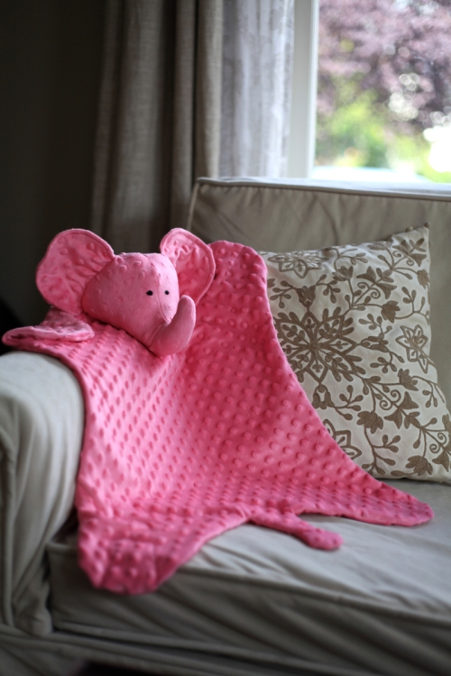 Sew Well - More Sewing for the Little Ones: An Elephant Blanket and a Replacement Banks